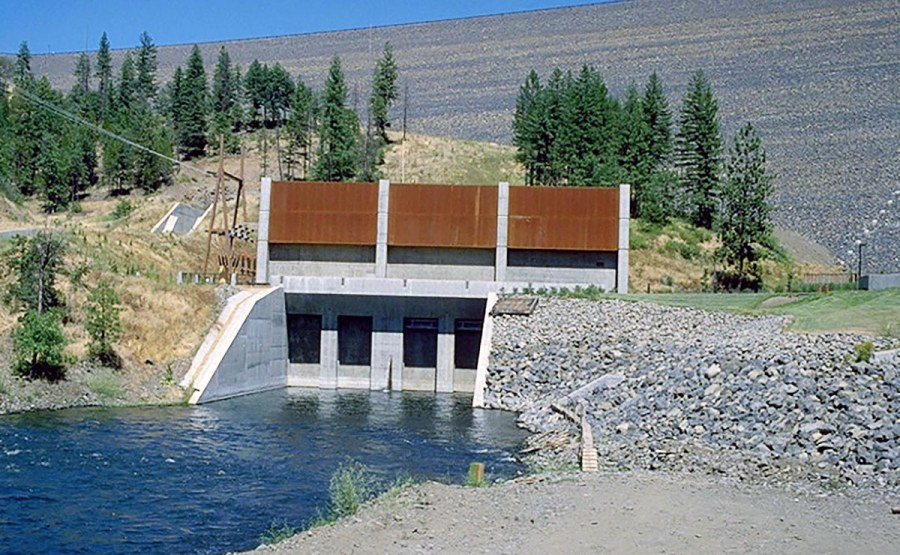 Dam Hydrology, Hydraulics, and Water Quality