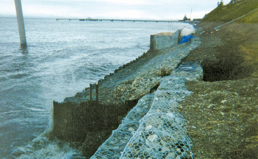 Geosyntec developed a cost-effective sheet pile wall system that incorporated MSE erosion protection features (gabions) to withstand extreme temperatures, storm-induced wave loadings, and earthquakes.